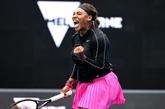 Tennis : Serena Williams gagne et bénit le report de l'Open d'Australie