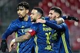 Ligue 1 : Lyon résiste au retour brestois (3-2) et reprend la tête