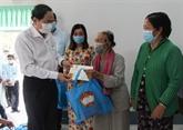 Le président du Front de la Patrie rend visite à Hâu Giang à loccasion du Têt