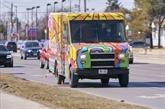 Canada : contre la morosité pandémique, des camions postaux psychédéliques