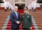 Vietnam et Russie renforcent leur coopération de sécurité et de défense