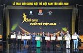 Dix jeunes personnalités exemplaires du Vietnam de 2020 à l'honneur