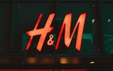 H&M, qui n'utilise plus de coton du Xinjiang, dans le viseur de la Chine