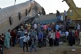 Une collision ferroviaire tue 32 personnes en Égypte