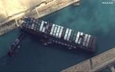 Canal de Suez : espoirs pour remettre à flot le navire prochainement