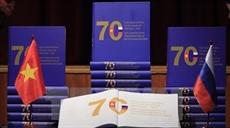 Présentation dun livre sur les 70 ans des relations Vietnam - Russie