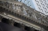 À Wall Street, le Dow Jones grimpe et le Nasdaq chute