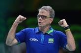 Volley : Bernardinho aux commandes des Bleus après Tokyo, avec vue sur 2024