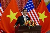 Échange en ligne entre des responsables vietnamien et américain