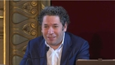 Le chef d'orchestre star Gustavo Dudamel nommé directeur musical