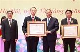 Les scientifiques vietnamiens honorés