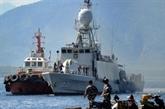 L'espoir de sauver l'équipage d'un sous-marin indonésien s'amenuise par manque d'oxygène