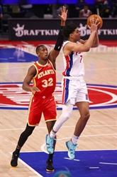 NBA : Phoenix prive New York d'un dix sur dix et se rapproche de Utah
