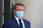 Macron dévoile un déconfinement en quatre étapes, premier cas de variant indien