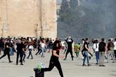 Nouveaux heurts sur l'esplanade des Mosquées à Jérusalem, des centaines de blessés