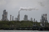 Le pétrole se stabilise après la réouverture progressive annoncée d'un oléoduc américain