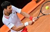 Rome : Djokovic remporte la bataille contre la pluie et Fritz