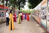 Exposition en hommage au 131e anniversaire de la naissance du Président Hô Chi Minh