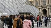 COVID-19 : en terrasse ou au cinéma, la France profite d'un souffle de liberté
