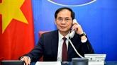 Conversation téléphonique entre les ministres des Affaires étrangères