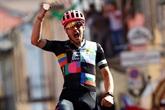 Tour d'Italie : l'Italien Bettiol vainqueur en solo de la 18e étape