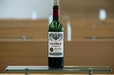 Une bouteille de Petrus revenue de l'espace en vente, estimée un million d'USD