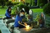 Offre d'encens aux héros morts pour la Patrie à Diên Biên