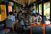 Cambodge : un café branché séduit amateurs de selfies et nostalgiques du train