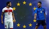 Le ballon roule enfin, l'Italie démarre fort