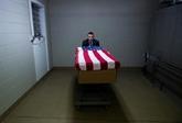 États-Unis : 600.000 morts du COVID, la Californie et New York rouvrent