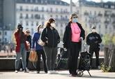 La Suisse allège ses restrictions mais surveille le variant Delta