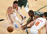 Les Hawks continuent de chahuter les play-offs NBA, s'imposent d'entrée à Milwaukee