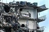 Effondrement d'un immeuble en Floride : un mort, pas de nouvelles de 99 personnes