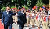 La visite au Vietnam du SG du Parti et président lao est couverte par la presse lao