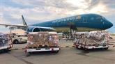 190.000 kits de test rapide du COVID-19 d'Allemagne arrivent au Vietnam