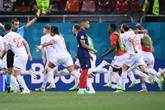 Euro : France et Croatie éliminées au bout de la folie, Suisse - Espagne en quarts