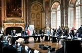 À Versailles, la France vante ses atouts aux investisseurs étrangers