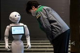 SoftBank Group a suspendu la production de son robot Pepper, restructurations en cours