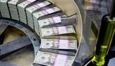 Le dollar se stabilise face à l'euro, la livre britannique modère son recul