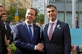 Les Émirats ouvrent officiellement leur première ambassade en Israël