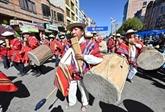 Les Boliviens renouent avec les fêtes folkloriques après une année de restrictions