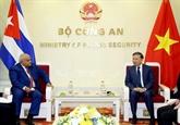 Le ministre de la Police reçoit l'ambassadeur de Cuba au Vietnam