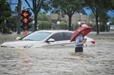 Intempéries record en Chine : au moins 16 morts, le métro inondé