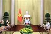 Le président affirme les politiques envers les méritants et les victimes de l'agent orange