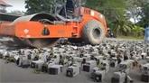 Malaisie : un millier de machines de minage de bitcoins détruites au rouleau-compresseur