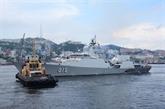 Des navires vietnamiens à une parade navale pour célébrer la Journée de la marine russe
