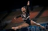 Gymnastique : Biles vole haut, mais part un peu de travers