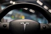 Tesla gagne pour la 1re fois plus d'un milliard d'USD sur un trimestre