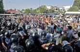 Crise politique en Tunisie : le Premier ministre prêt à céder le pouvoir