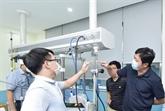 COVID-19 : le Vietnam fabrique l'appareil d'oxygénothérapie à haut débit